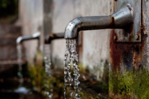faucet 1684902 1920 300x200 - αναλυση νερού